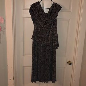 Pleated brown flower dress size 16